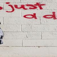 Ελληνα πληρωνε ! Ο υπαρκτος νεοφιλελευθερισμός του Κωστη Χατζηδακη